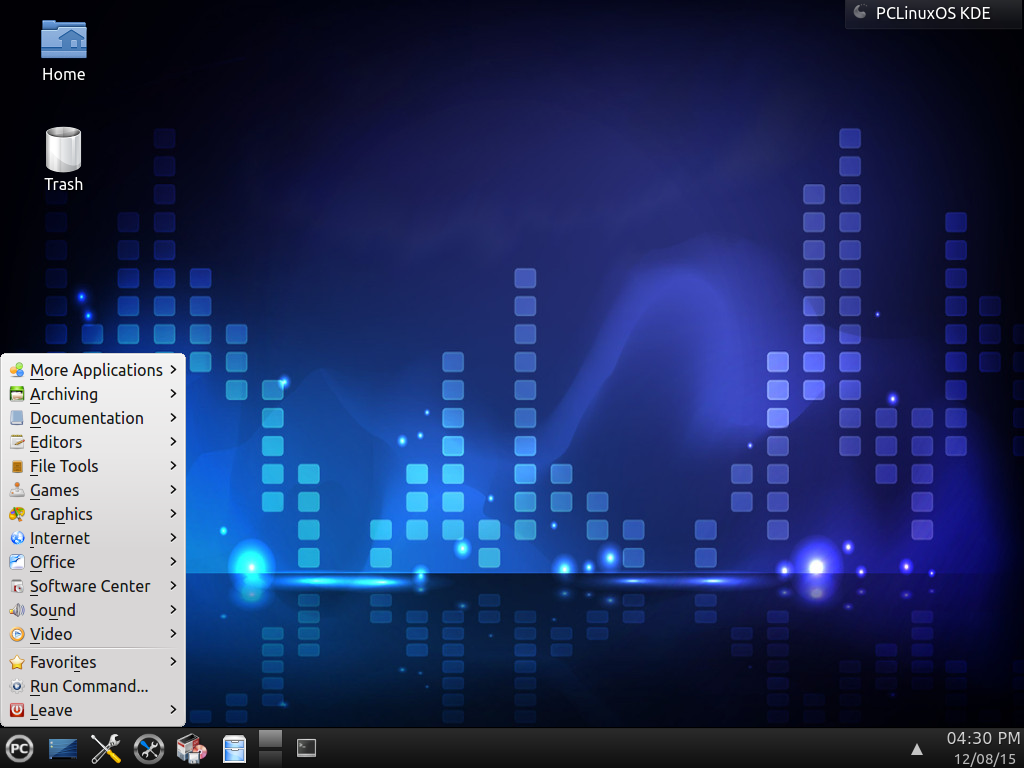 PCLinuxOS using the KDE Plasma 4 desktop.